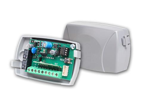 https://www.fslelectronics.com/newsite/wp-content/uploads/2020/10/220h-receiver.jpg Receiver Image